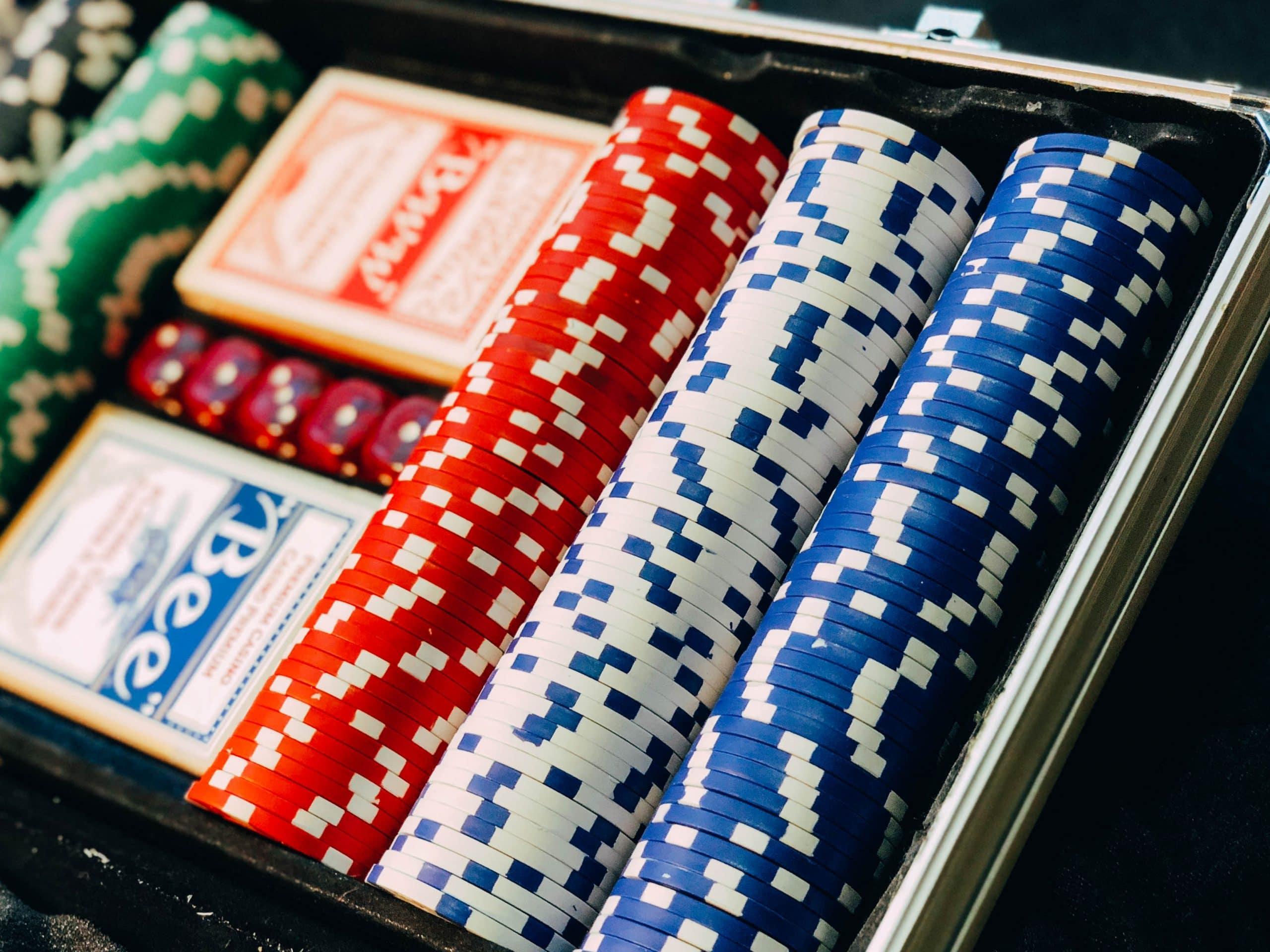 Casino Chips in einem Rahmen