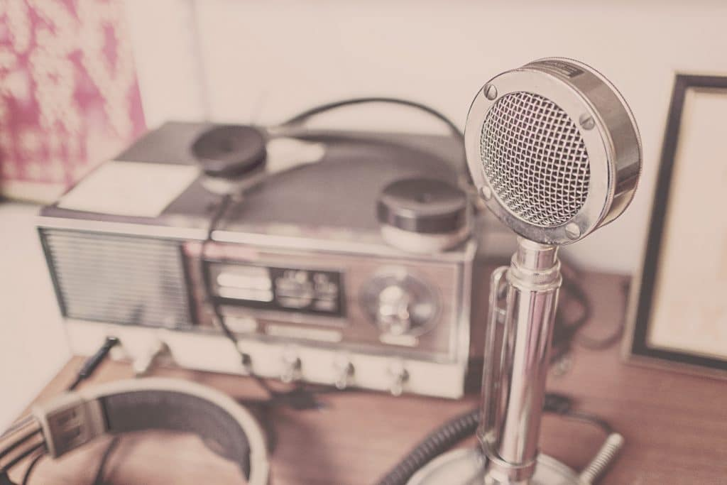 Mikrophone mit Tonbandgerät aus des 1970er Jahren